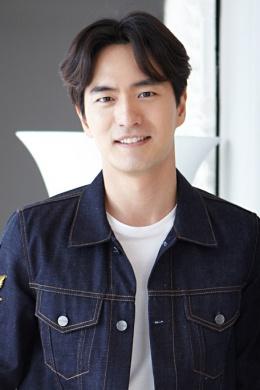 Ли Чжин Ук