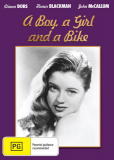 Парень, девушка и мотоцикл