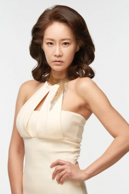 Юн Чжи Сук
