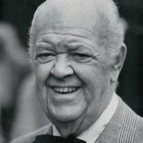 Хэл Смит
