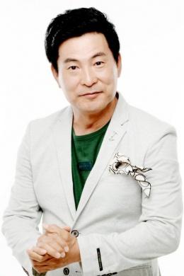 Ли Хан Ви
