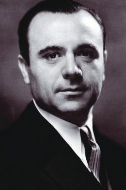 Хосе Итурби