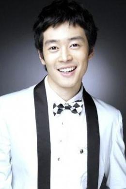 Ли Кхён