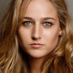 Лили Собески
