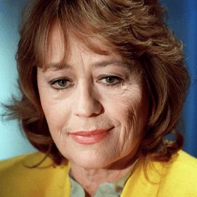 Анни Жирардо