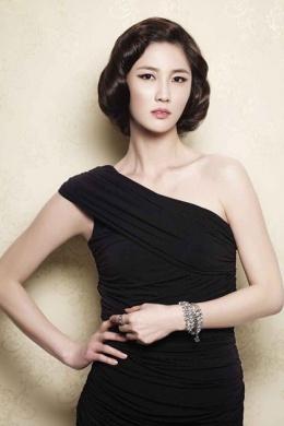 Ли Су Гён