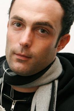 Адам Стоун