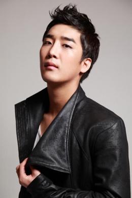 Чи Ён У